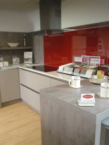 Kitchen installation items in East Dunbartonshire